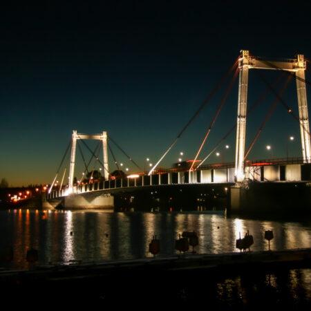 Facade and bridge LED lighting