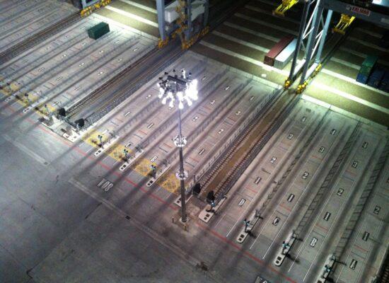 Belysning för industriområden, hamnar och sportanläggningar utomhus